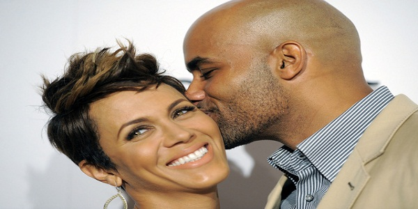 4 Online Dating Profile Examples To Attract Men