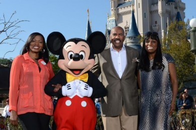 l-to-r: Tracey Powell, Micey Mouse, Steve Harvey, and Mikki Taylor. Photo Credit: Walt Disney World