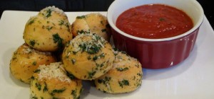 Utokia_Garlic-Knots