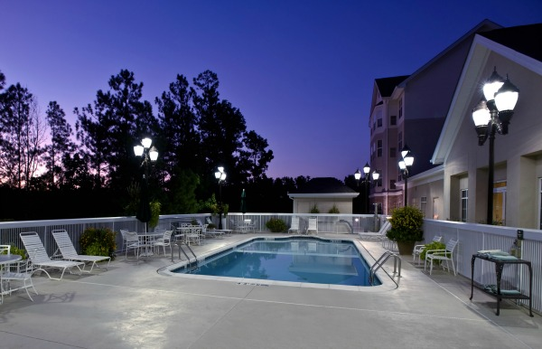 Be sure to take a refreshing dip in the outdoor pool during your stay in Birmingham.