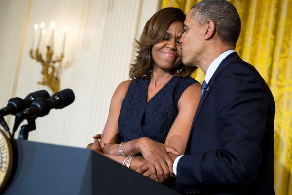 ObamaKiss_whitehousegov
