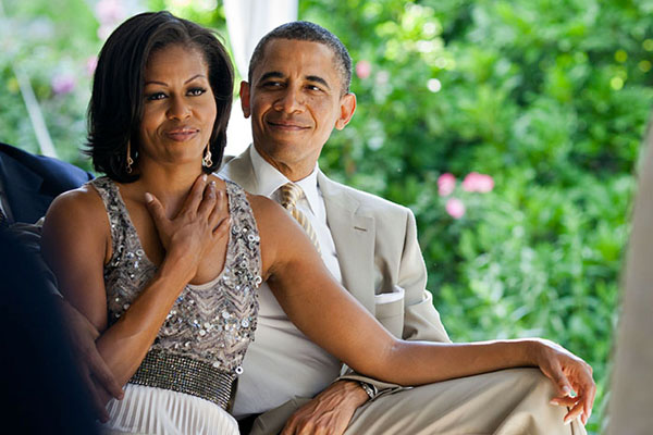 Obamas_affection_whitehousegov