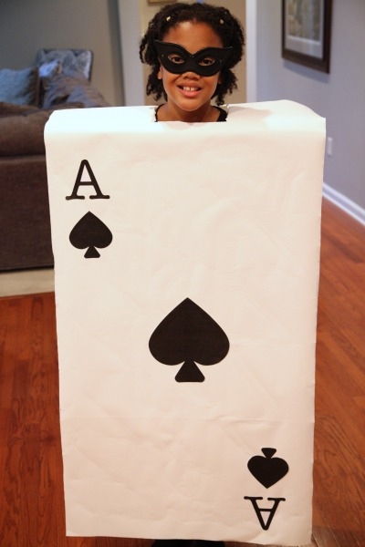 We created playing card halloween costumes for our girls using a box. It was fast and it was fun. And thanks to #AmazonPrime it was very affordable.
